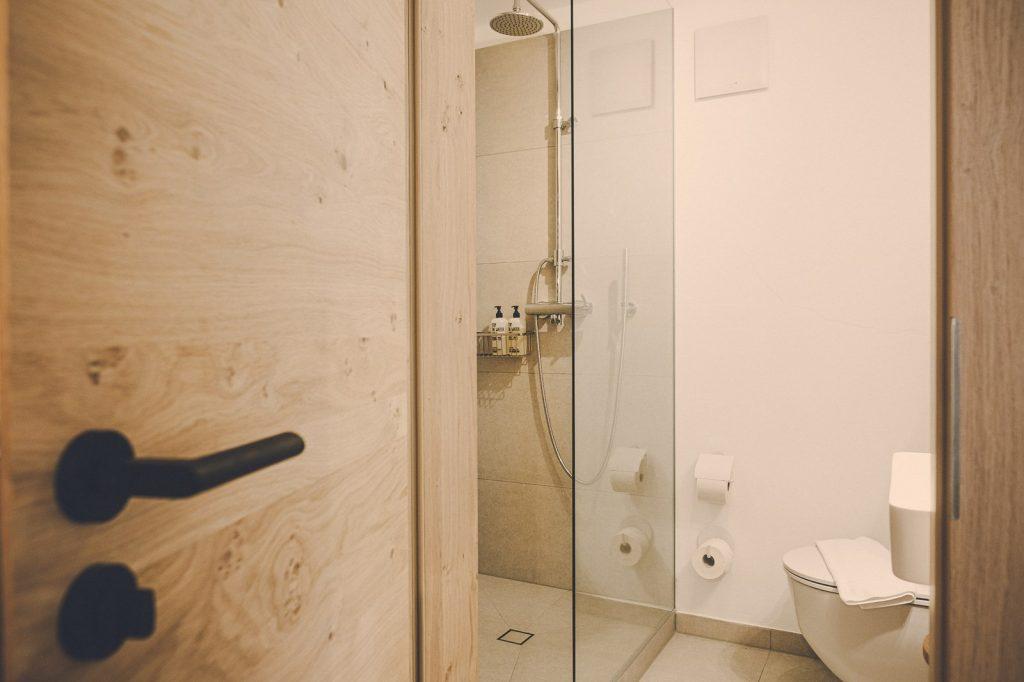 """Der Lederer Hof Tegernsee - Badezimmer im 1-Zimmer-Apartment """"Nesterl"""""""