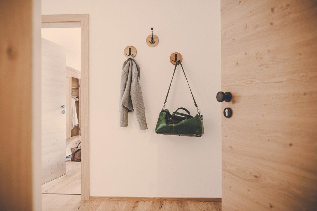 Der Lederer Hof Tegernsee - Eingangsbereich im 2-Zimmer-Apartment