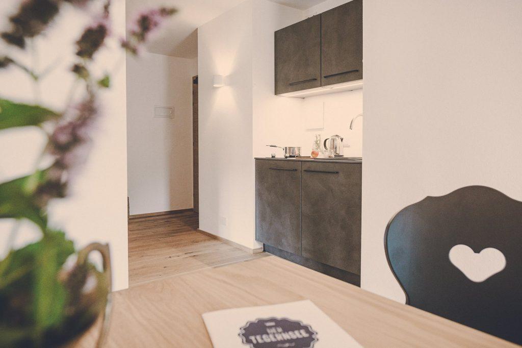 Der Lederer Hof Tegernsee - Küchenecke im 2-Zimmer-Apartment