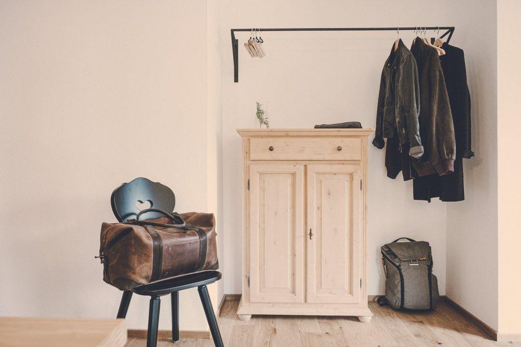 Der Lederer Hof Tegernsee - Offener Kleiderschrank