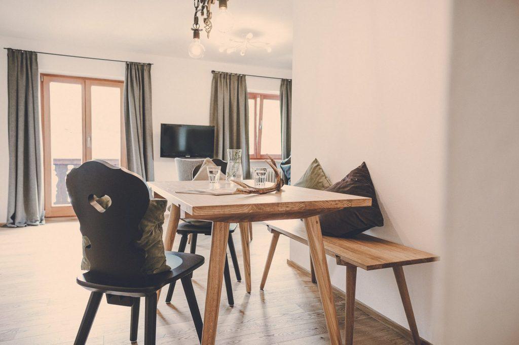 Der Lederer Hof Tegernsee - Essbereich im 2-Zimmer-Apartment