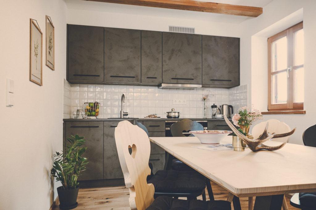 Der Lederer Hof Tegernsee - Küchenansicht im Platzhirsch