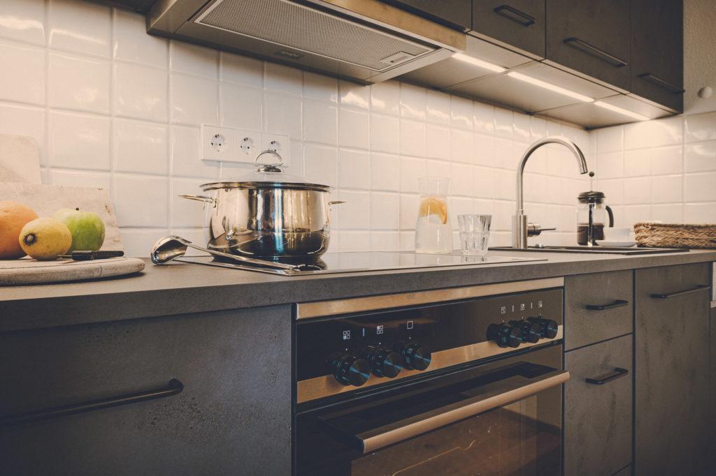 Der Lederer Hof Tegernsee - Küchenzeile Detailansicht