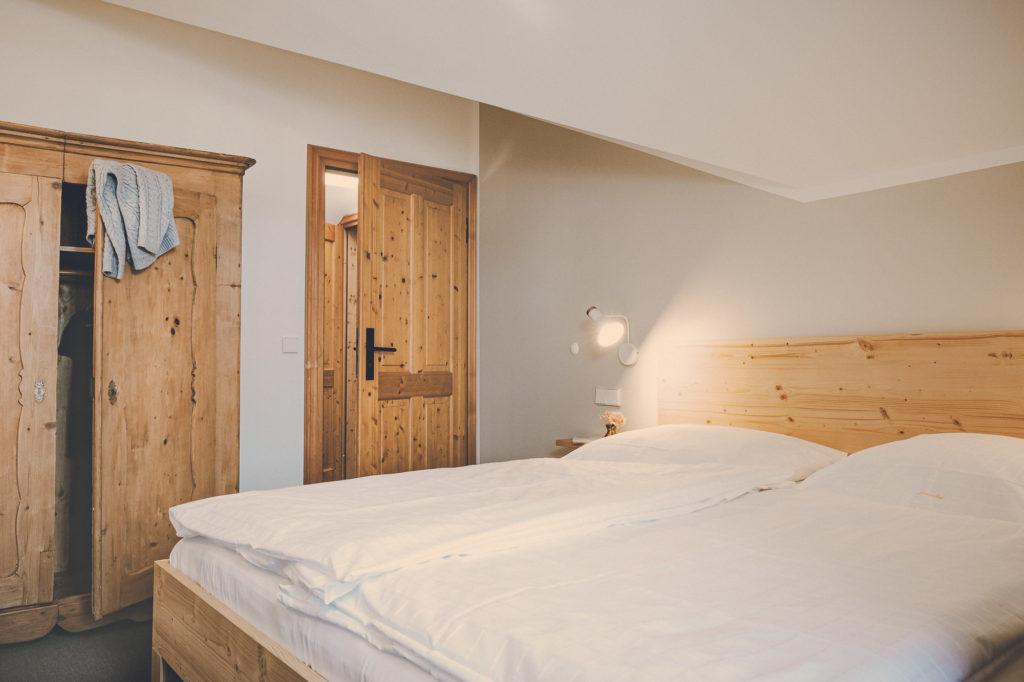 Der Lederer Hof Tegernsee - Schlafzimmer im Maisonette Apartment