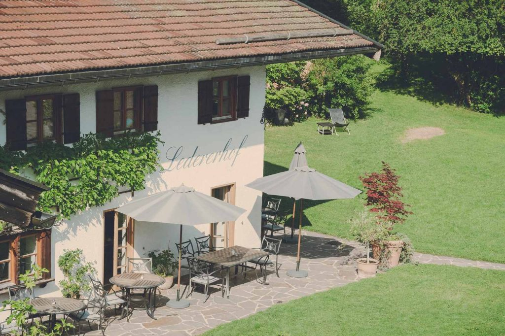 Der Lederer Hof Tegernsee - die Terrasse von oben