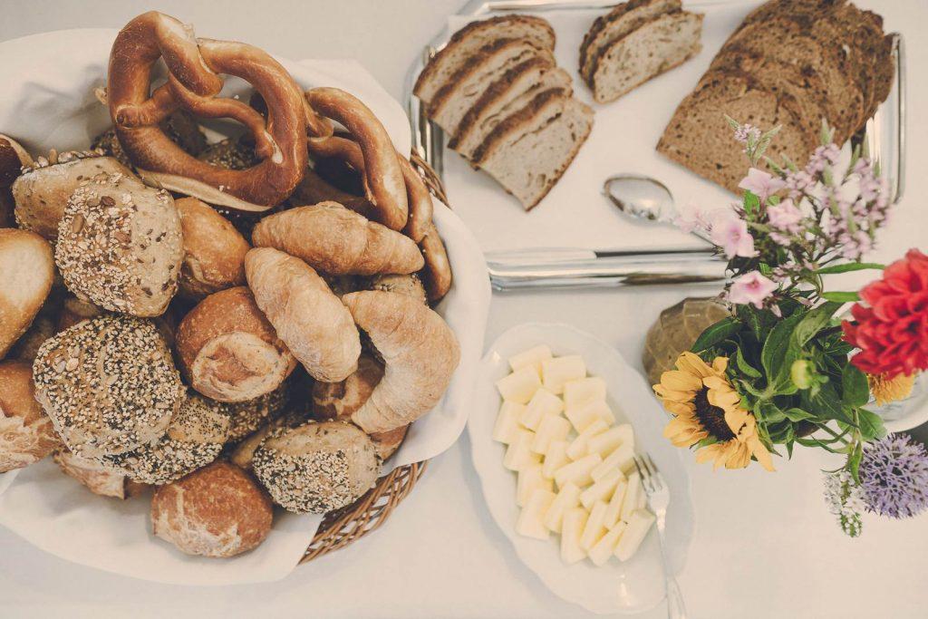 Der Lederer Hof Tegernsee - Buffetfrühstück mit Liebe
